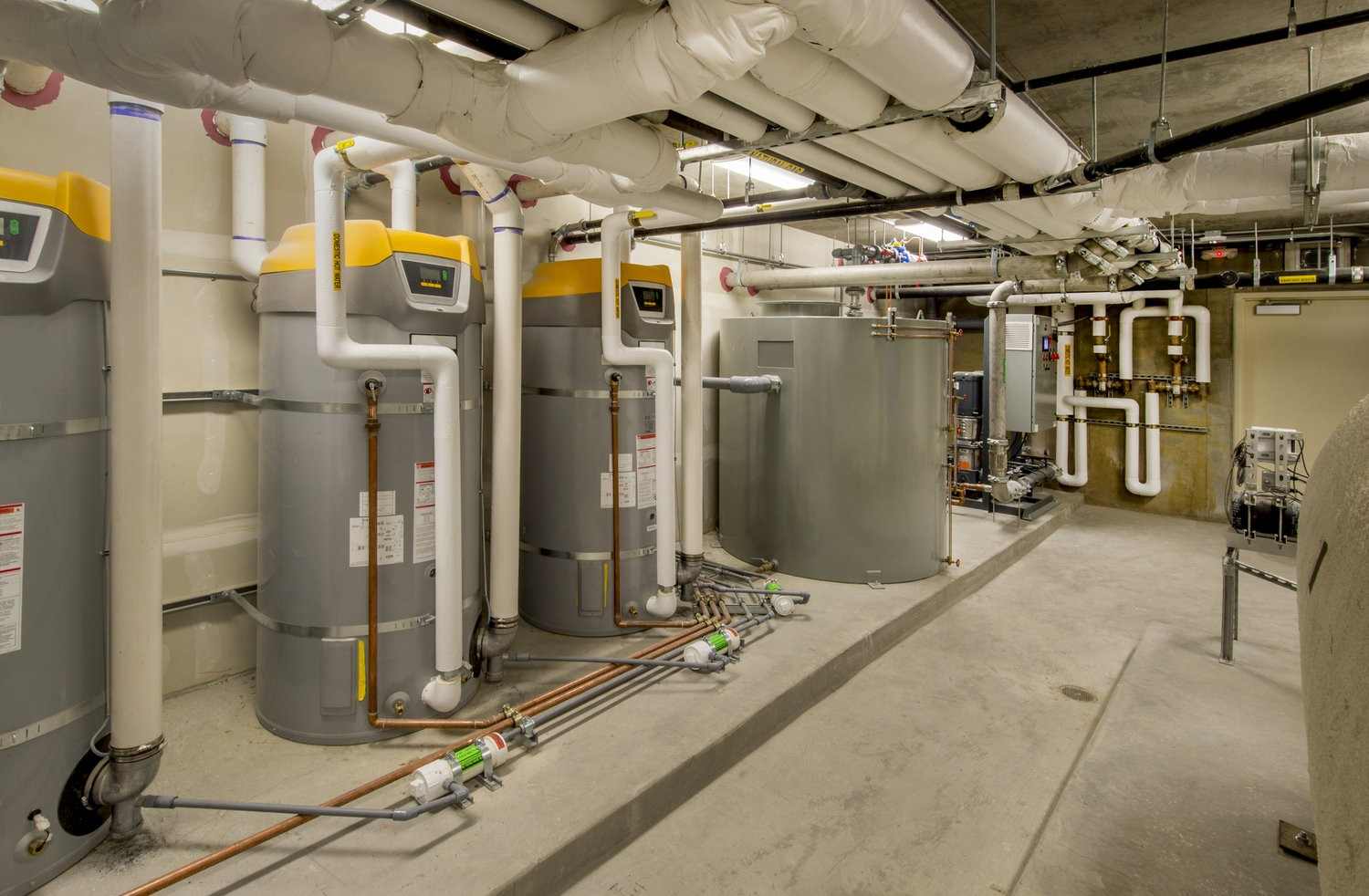 Commercial-Water-Heater-Services-Palm-Beach-Water-Heater-Installers-We do Water Heater Installation and Repair, Natural Gas Water Heaters, 24/7 Emergency Water Heater Service and Maintenance, Hybrid Water Heaters, Water Heater Expansion Tank, Commercial Water Heater Services, Tankless Water Heaters Installations, and more